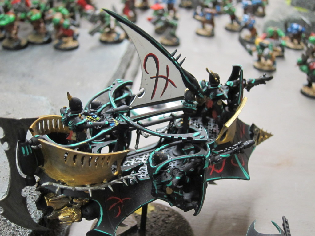 Dark Eldar swoop in from the skies.