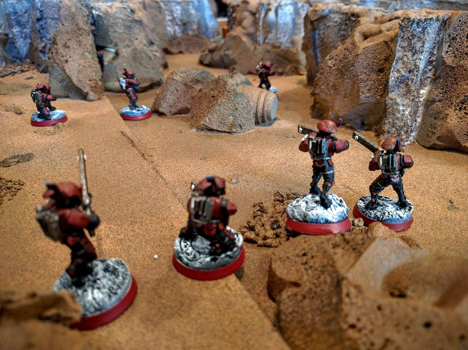 A Tau exploration team warily enters the collapsed mine.