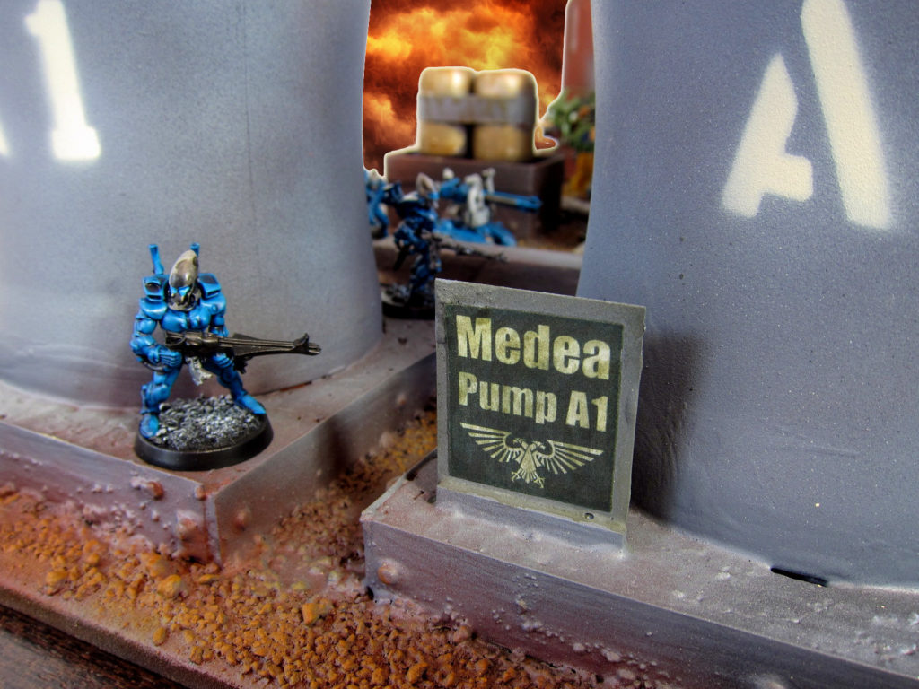 medea-pump-sign
